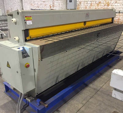 Candid Automatic wire Mesh Cutting Machine